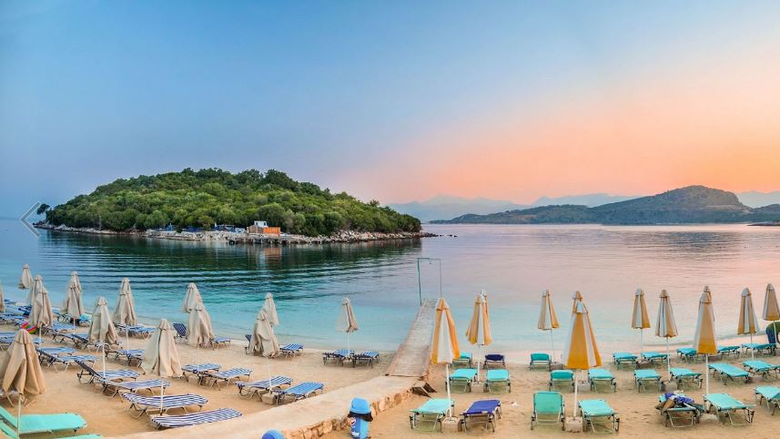 Ksamil beach, Saranda. Photo: WebLibrary